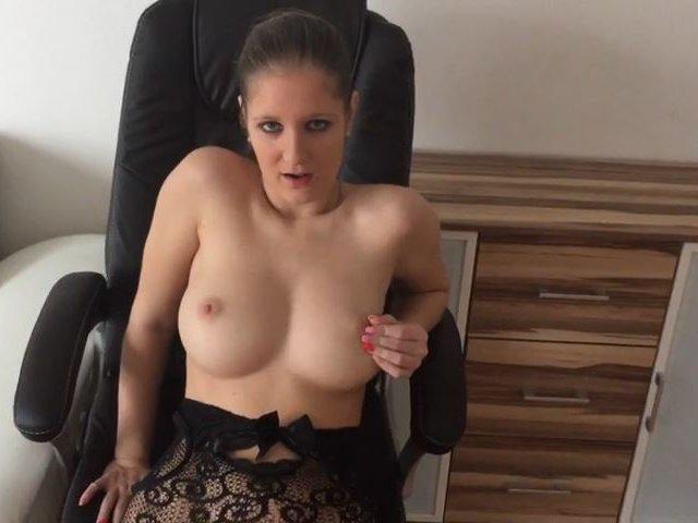 Sex auf einem Bürostuhl! Teil 2