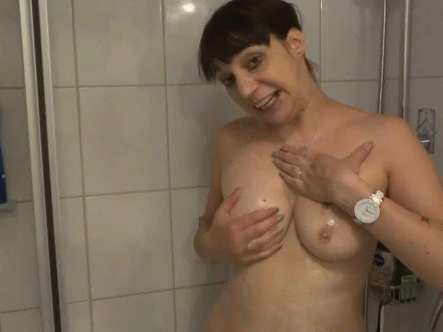 Orgasmus während des Duschens
