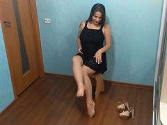 Schwangere Frau mit sexy Heels