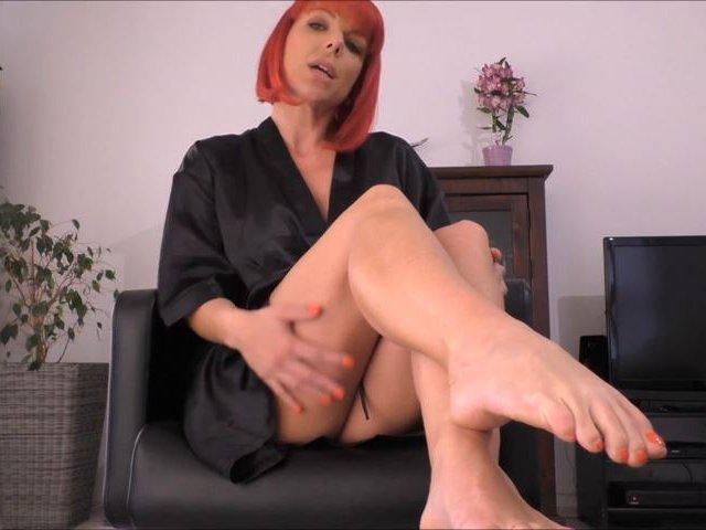 Fuß-Fetisch Spritz auf meine nackten Füße