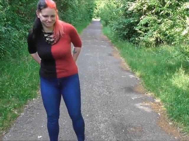 Erstes Outdoor-Video: Der Pisswalk